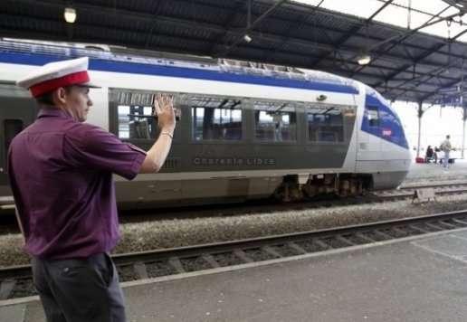 Tag france sur Tout sur le rail - Page 5 Arrets-tgv-en-charente-la-sncf-revoit-sa-copie_501489