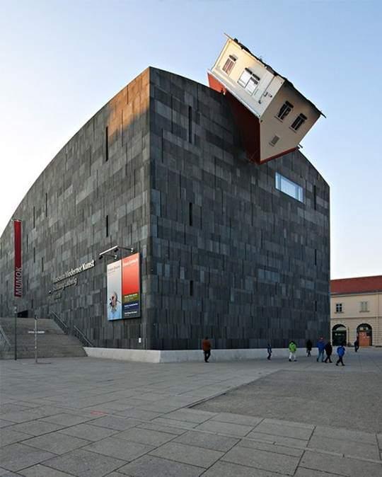 صور مباني مدهشة بأشكال غريبة 001372a9accd0fb3144d0e