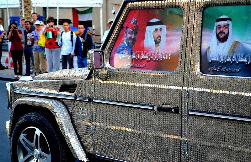 سيارة مرصعة بـ57412 عملة معدنية في دبي  0013729e7972143dc10304