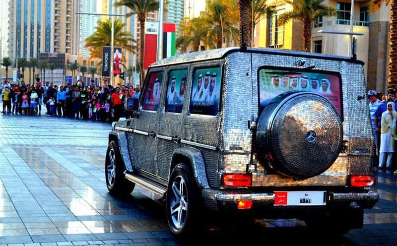 سيارة مرصعة بـ57412 عملة معدنية في دبي  0013729e7972143dc10309
