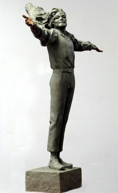 [LA STATUA È STATA INAUGURATA - FOTO E VIDEO] Fans cinesi finanziano la costruzione di una statua di MJ - Pagina 2 001372a9ae270e1fb9c408