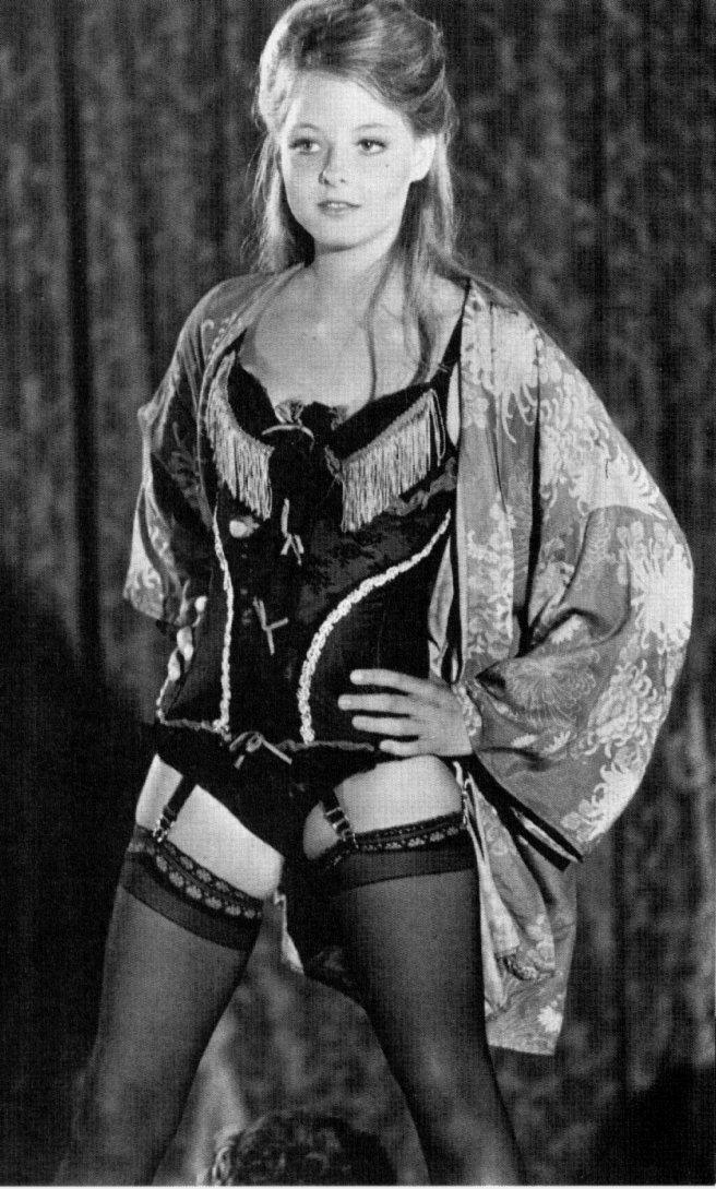 Jodie Foster Jodie-Foster-jodie-foster-212724_656_1089