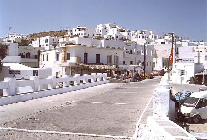 Me ane te nje fotoje tregoni se ku do te deshironit te ishit ne keto momente? - Faqe 2 Paros---Naousa-greece-695727_800_543