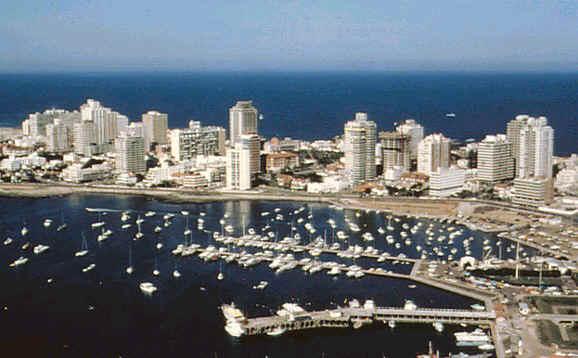 Urugvaj - Page 2 Punta-del-Este-Uruguay-beaches-412895_578_358