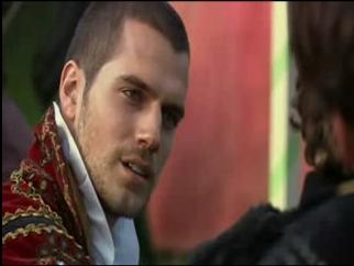Les Tudors (la série) Tudors-Screencaps-henry-cavill-626477_322_242