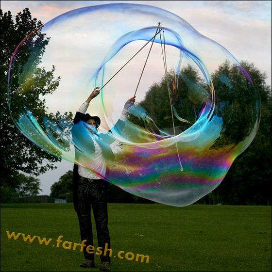 صور .اكبر فقاعات صابون بالعالم Biggest_soap_bubble_02