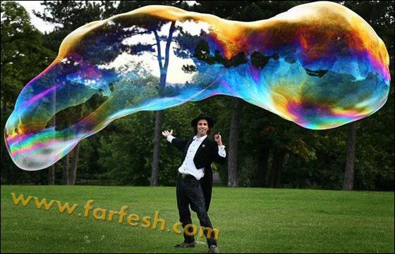 صور .اكبر فقاعات صابون بالعالم Biggest_soap_bubble_03