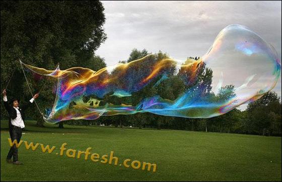 صور .اكبر فقاعات صابون بالعالم Biggest_soap_bubble_08