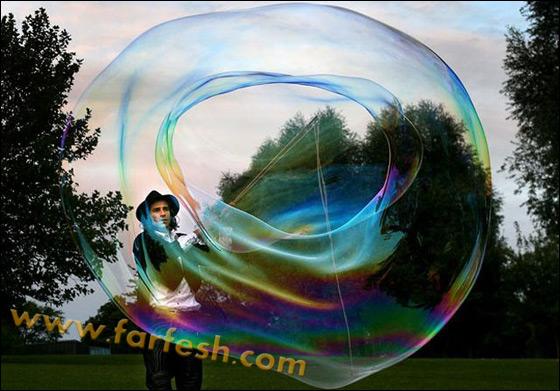 صور .اكبر فقاعات صابون بالعالم Biggest_soap_bubble_11