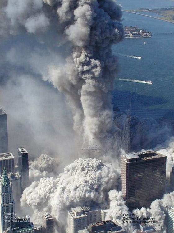 صور سقوط برج 11 سبتمبر Sep1