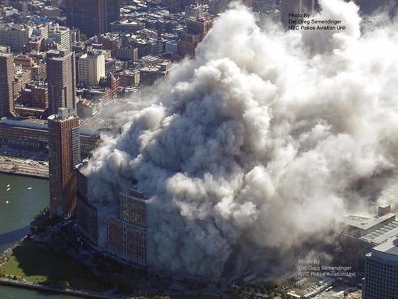 صور سقوط برج 11 سبتمبر Sep11