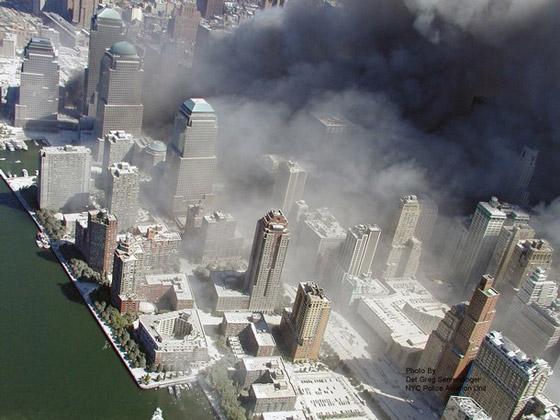 صور سقوط برج 11 سبتمبر Sep8
