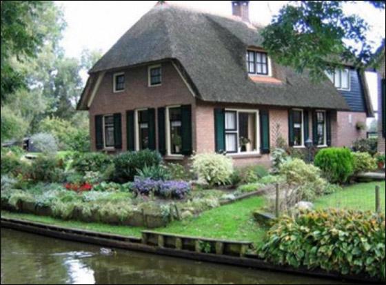 رحلة لقرية هولندية سااااااااحرة Holland_4