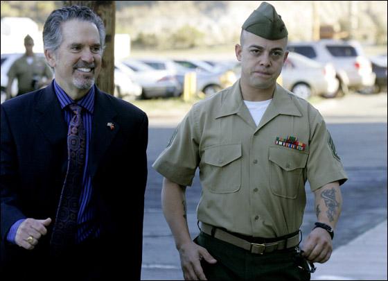 محاكمة جندي امريكي تسبب بقتل 24 شخصا في مذبحة العراق! Frank_3