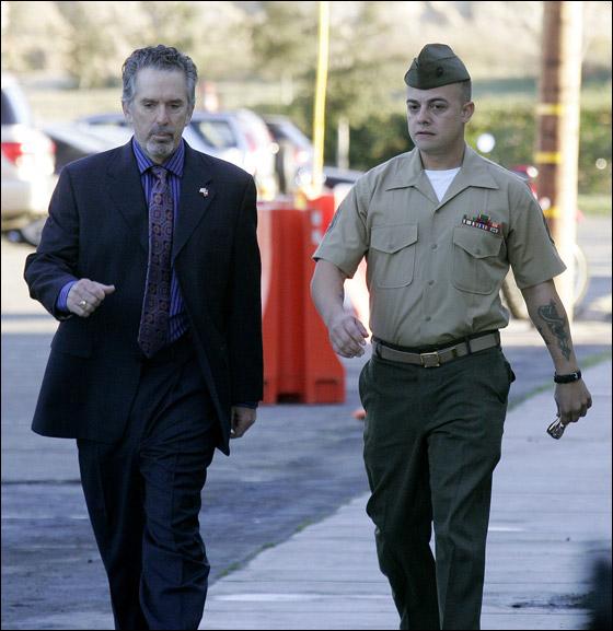 محاكمة جندي امريكي تسبب بقتل 24 شخصا في مذبحة العراق! Frank_4