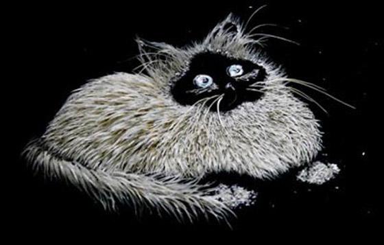 بالصور.. فنانة ترسم اجمل اللوحات باستخدام قشور وبقايا الاسماك Fishy_Paints_03