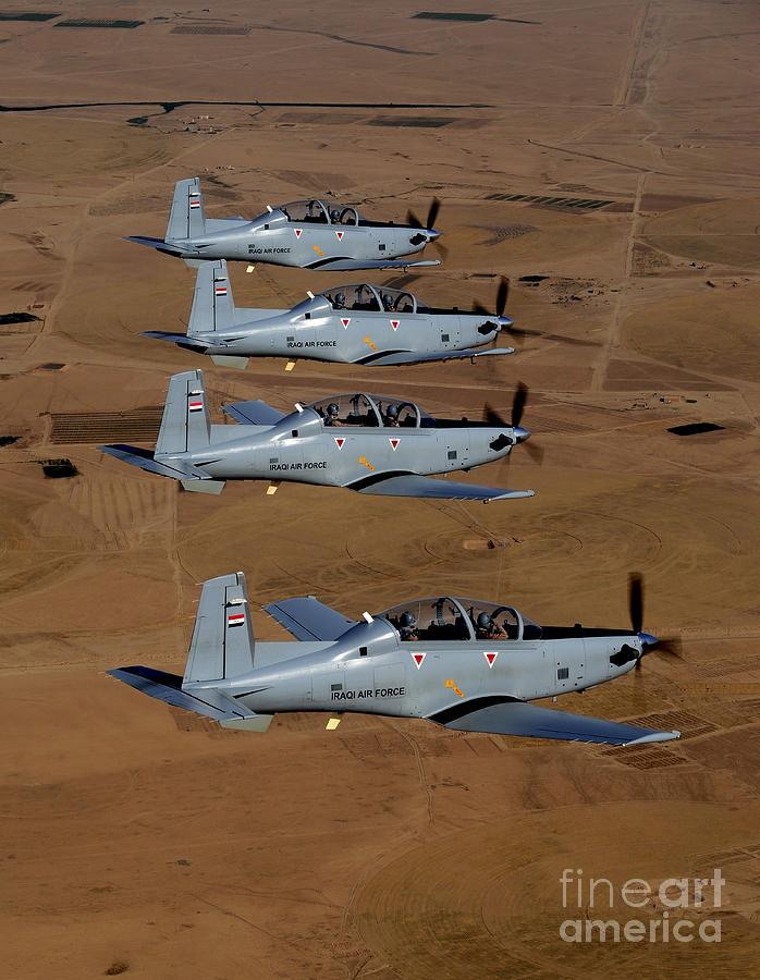 اكبر و اوثق موسوعة للجيش العراقي على الانترنت 1-a-formation-of-iraqi-air-force-t-6-stocktrek-images