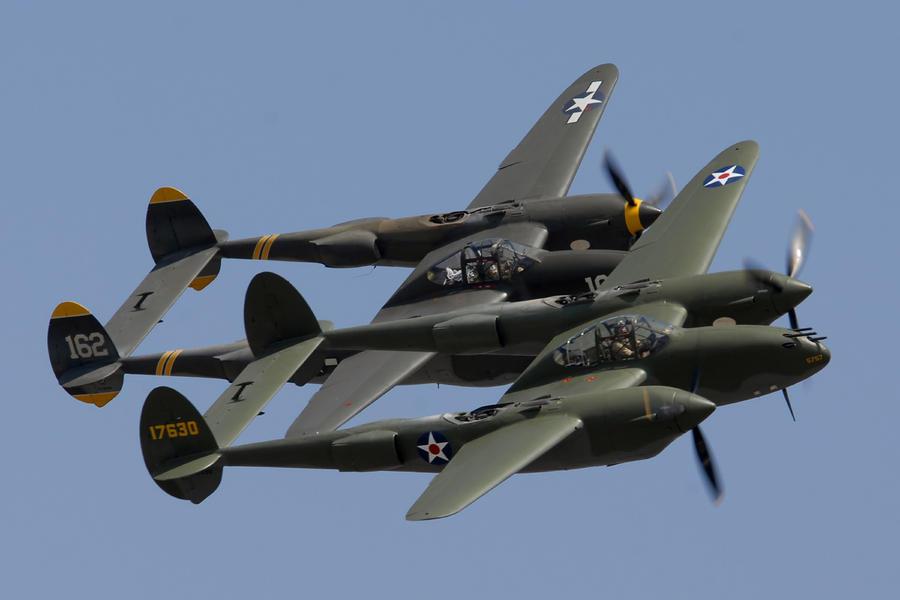 عملاق صناعة السلاح الأمريكية Lockheed Martin  Lockheed-p-38-lightnings-glacier-girl-and-skidoo-brian-lockett