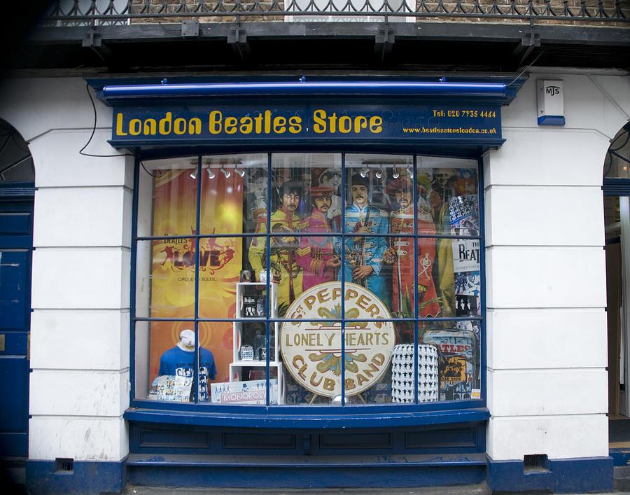 Mardi 28 Octobre 2014 London-beatles-store-mickey-clausen