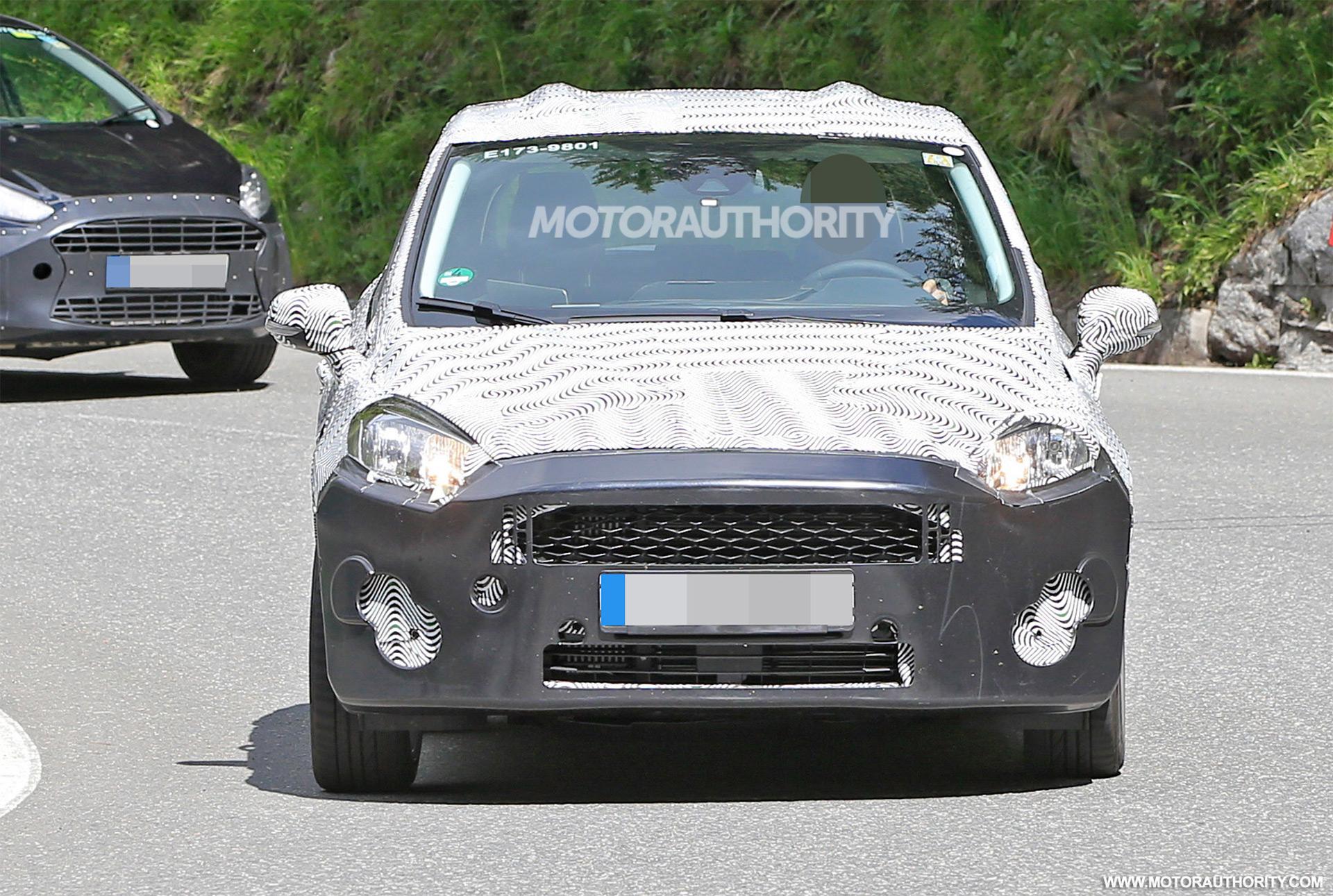 2017 - [Ford] Fiesta MkVII  - Page 3 2018-ford-fiesta-spy-shots--image-via-s-baldauf-sb-median_100555624_h