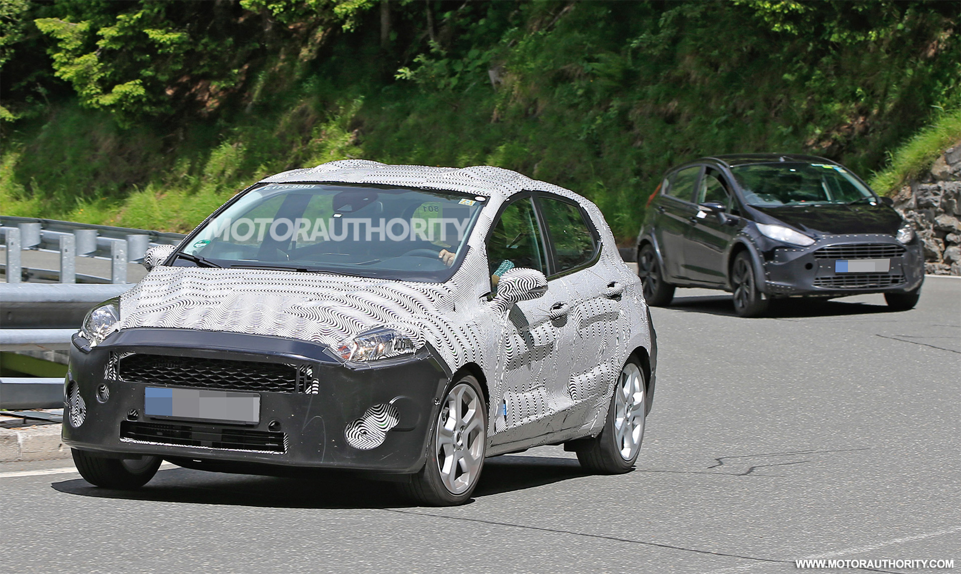 2017 - [Ford] Fiesta MkVII  - Page 3 2018-ford-fiesta-spy-shots--image-via-s-baldauf-sb-median_100555625_h