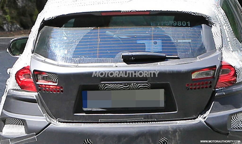 2017 - [Ford] Fiesta MkVII  - Page 3 2018-ford-fiesta-spy-shots--image-via-s-baldauf-sb-median_100555635_l