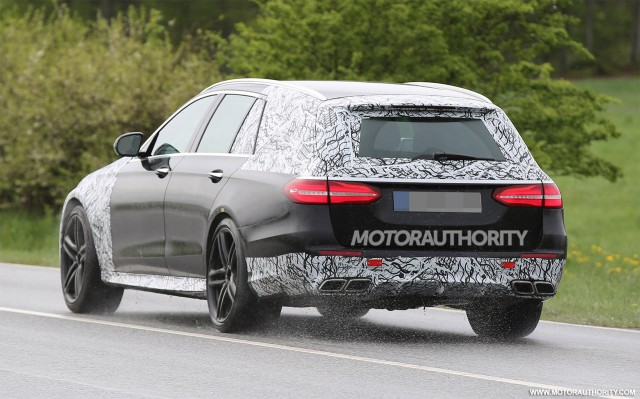 Mercedes-AMG E63 Wagon Black Series 2017-mercedes-amg-e63-wagon-estate-spy-shots--image-via-s-baldauf-sb-medien_100554186_m