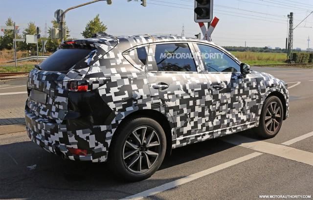 2017 - [Mazda] CX-5 II 2018-mazda-cx-5-spy-shots--image-via-s-baldauf-sb-medien_100564956_m