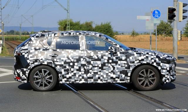 2017 - [Mazda] CX-5 II 2018-mazda-cx-5-spy-shots--image-via-s-baldauf-sb-medien_100564968_m