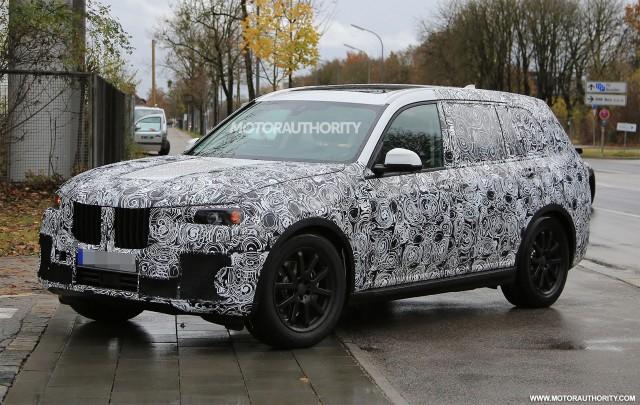 2017 - [BMW] X7 [G07] - Page 6 2019-bmw-x7-spy-shots--image-via-s-baldauf-sb-medien_100581821_m