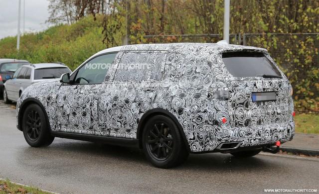 2017 - [BMW] X7 [G07] - Page 6 2019-bmw-x7-spy-shots--image-via-s-baldauf-sb-medien_100581825_m