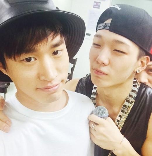 музыкальная корейская ≈ волна ≈ 2 - Страница 2 Tablo-bobby-selfie
