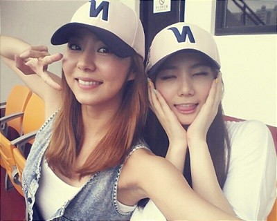 [DISCUSSION] Who is After School's Nana and why the h8 for her. After-schools-uee-and-kaeun-takes-a-close-picture-at-the-baseball-stadium-to-cheer-for-her-dad