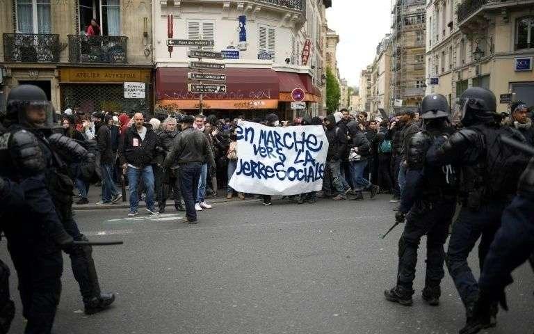 Vox Populi - Page 2 Manifestation-anti-macron-du-front-social-a-paris-le-8-mai-2017