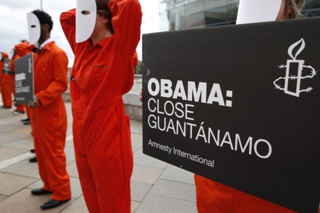 Guantanamo : les mensonges d'Obama 704458-manifestation-pour-reclamer-fermeture-prison