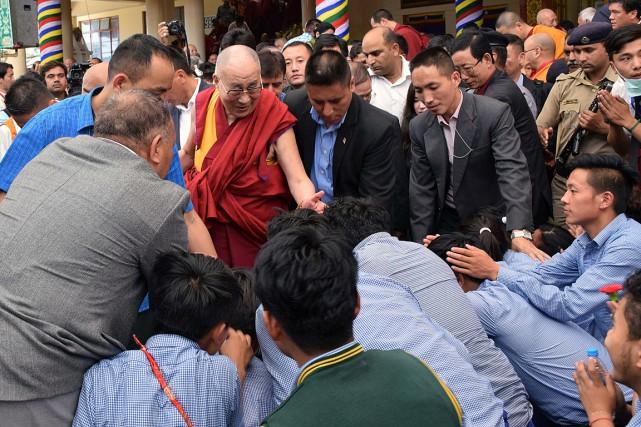 Prières pour le dalaï lama qui fête ses 80 ans 1024912-dalai-lama-ne-6-juillet
