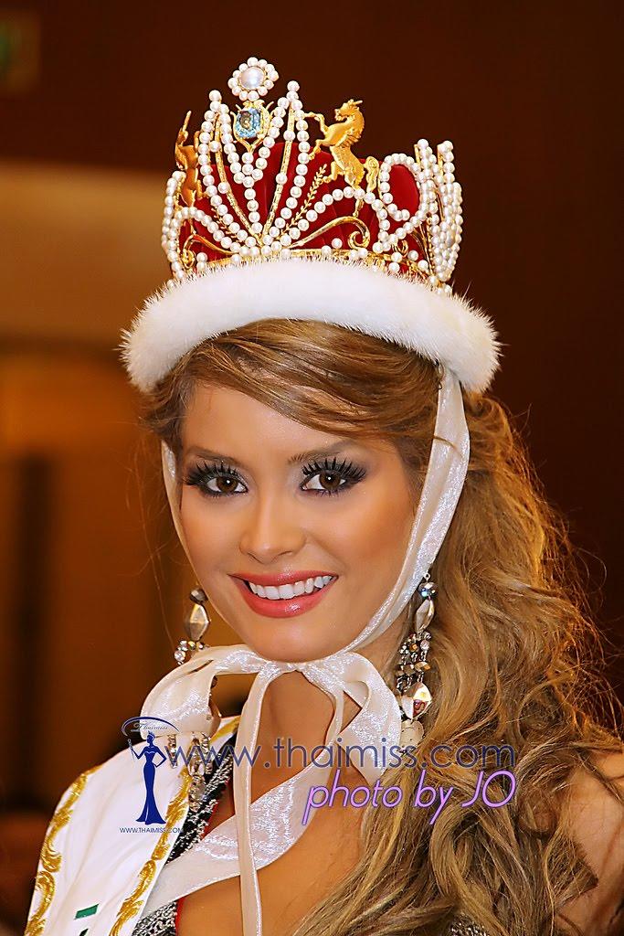 maria fernanda cornejo, miss international 2011. 6431802647_687c2f24c4_b_ijr6
