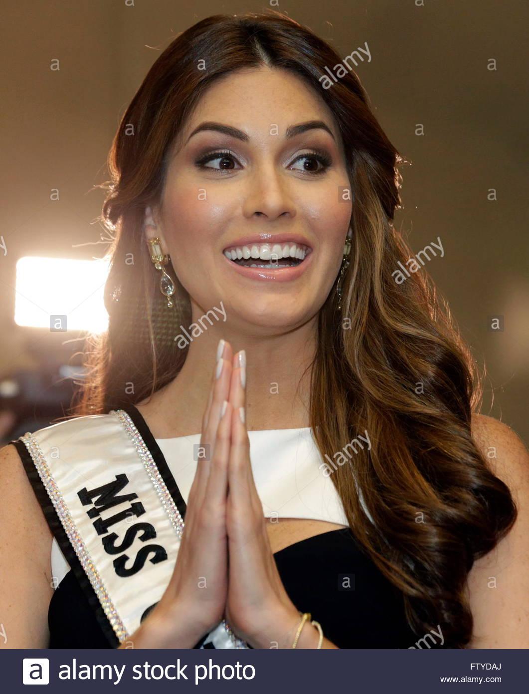 gabriela isler, miss universe 2013. - Página 22 Miss-universe-2013-gabriela-isler-of-venezuela-gestures-during-a-press-ftydaj_tjr2