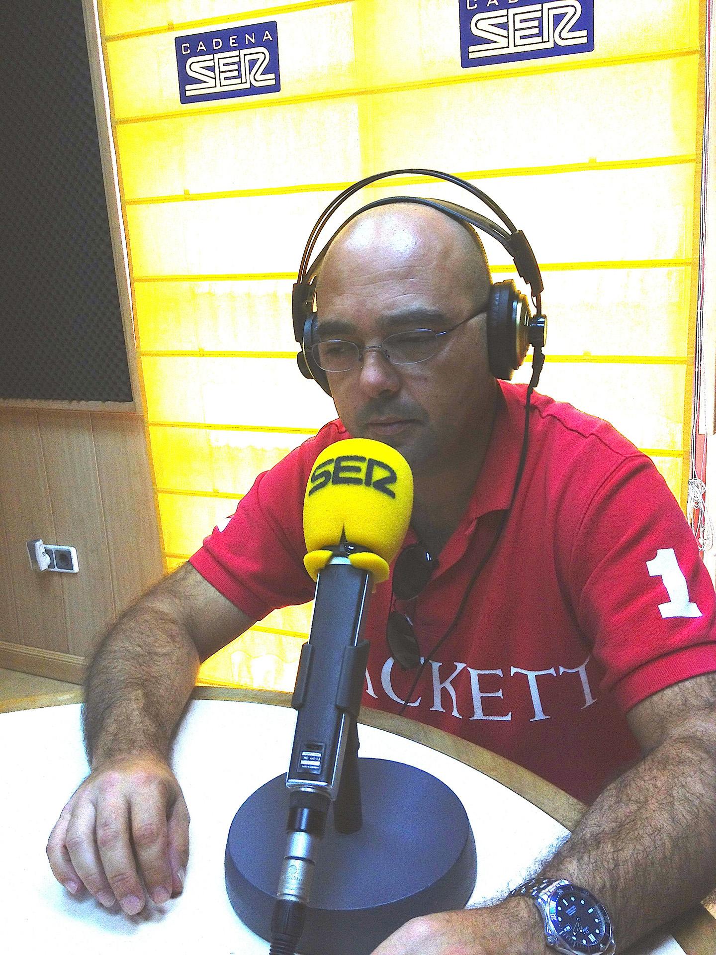 Entrevista en la Cadena Ser Viernes 27 a las 13:00h La_foto_para_la_web_rbx3