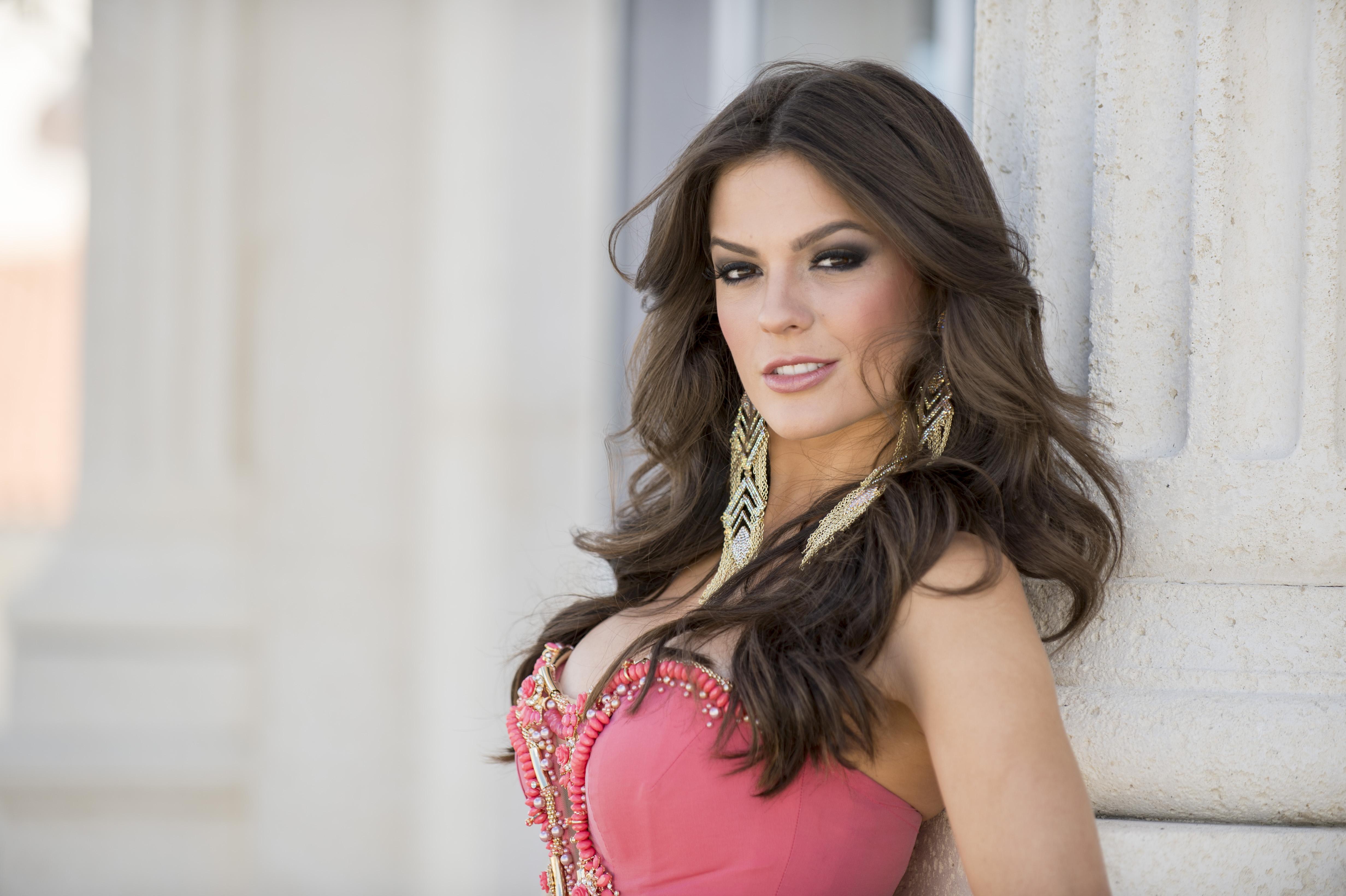 melissa gurgel, miss brasil 2014. - Página 2 Gown-Melissa-Gurgel-Miss-Universe-Brazil-2014_cdf8