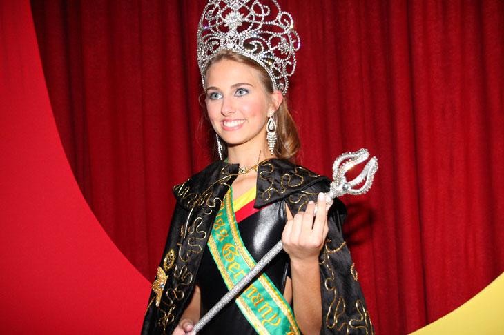 marthina brandt, miss brasil universo 2015. - Página 2 8272955_nfa8