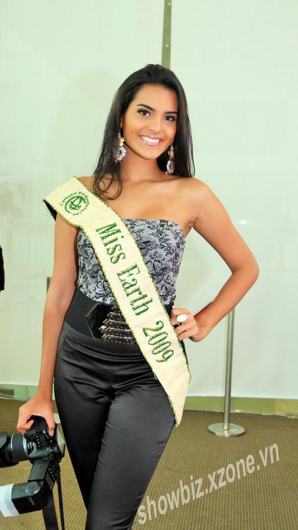 ☻♠☼ Galeria de Larissa Ramos, Miss Earth 2009.☻♠☼ - Página 6 Laralinda2_dqn0