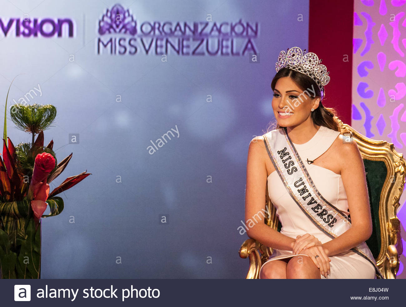 gabriela isler, miss universe 2013. - Página 22 Caracas-venezuela-8th-oct-2014-the-winner-of-the-contest-miss-universe-e8j04w_hrp6