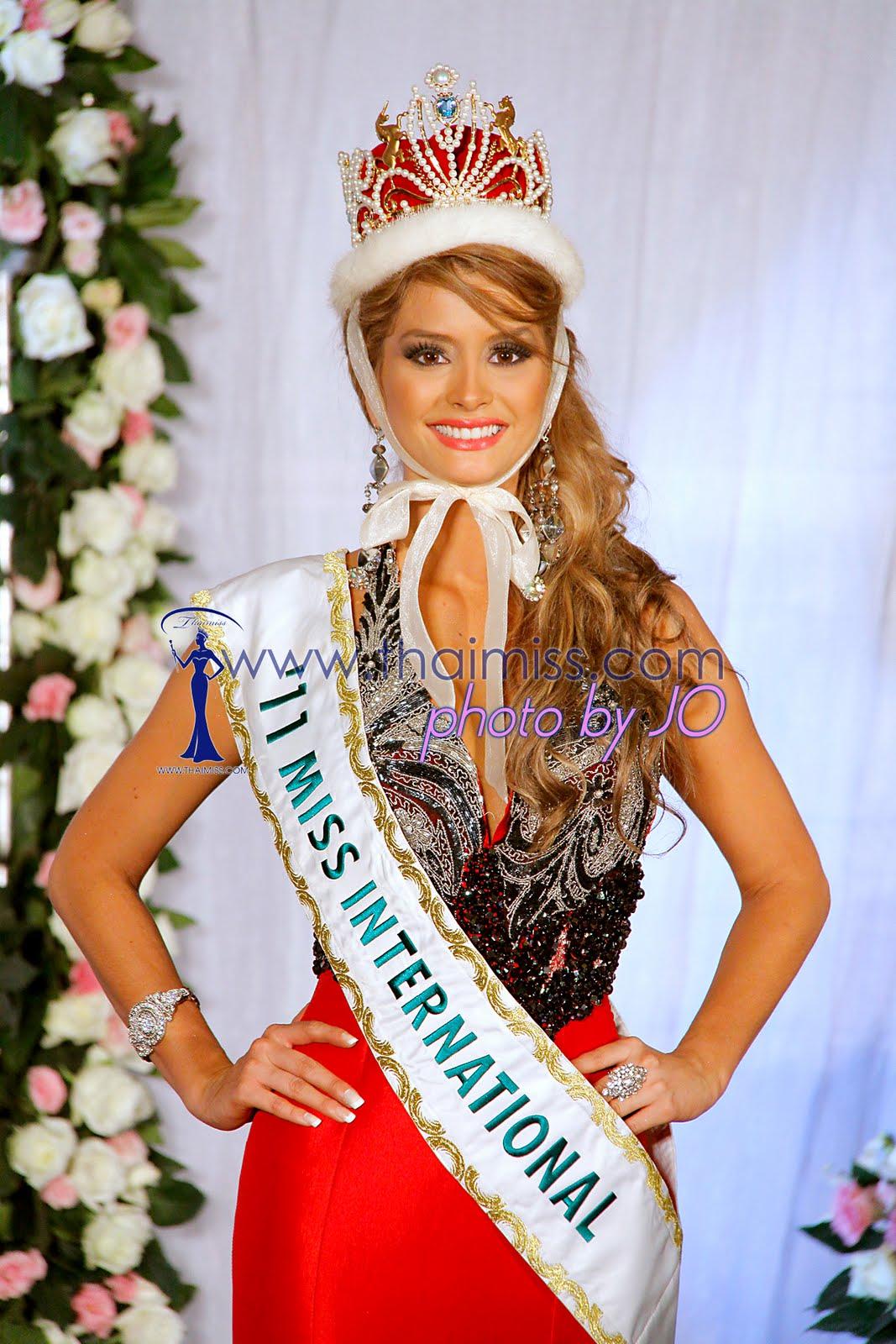 maria fernanda cornejo, miss international 2011. 6442234855_1087b8d66c_o_bgg1