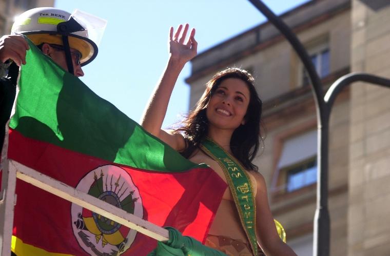 fabiane niclotti, miss brasil 2004. descanse em paz, querida fabiane. - Página 3 0017aea1_mvb2