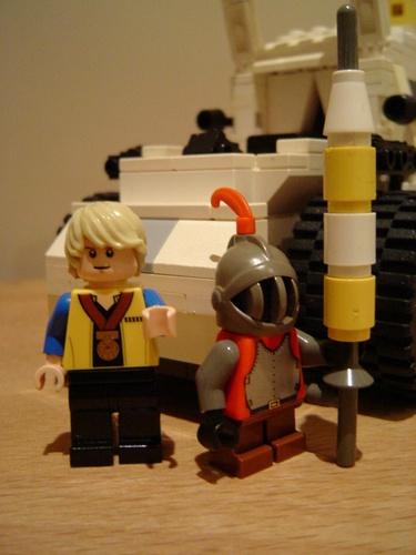 Customs et créations Playmobil et Lego (pas MOC's !) 1291583522m_SPLASH