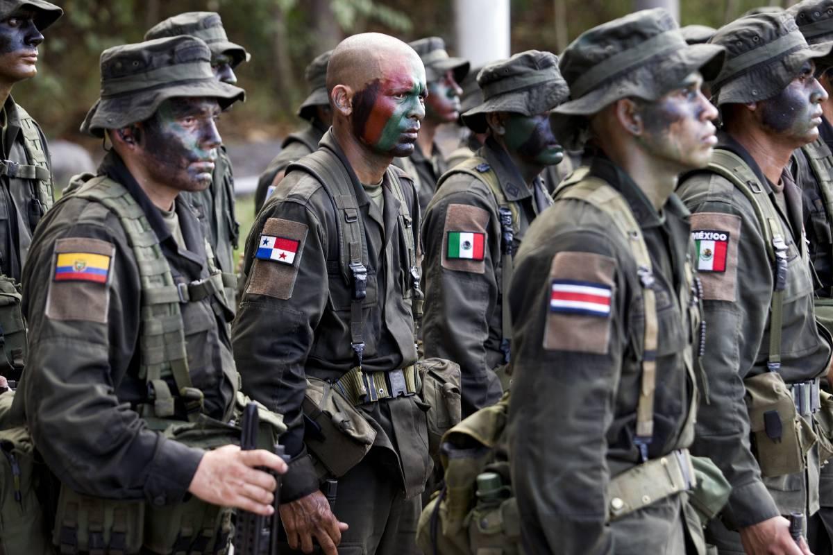 Colombia - Página 20 2_police-academy-509a4c6b36b69