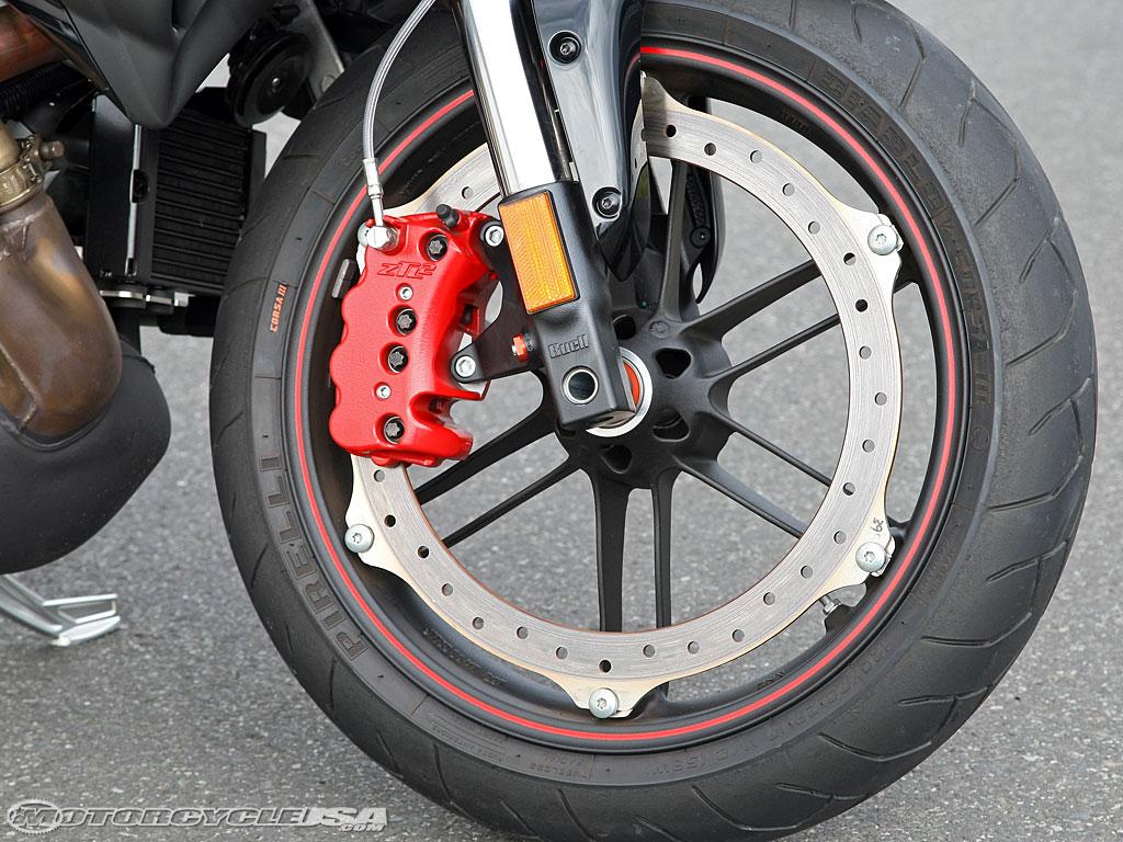 Hot brakes 09_1125cr_frontwheel