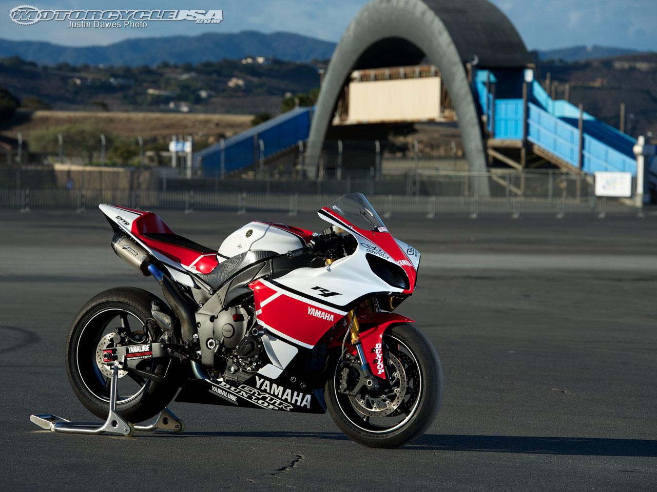 Yamaha R1 Crossplane 12_Yamaha_YXF-R1_Project_Laguna_3