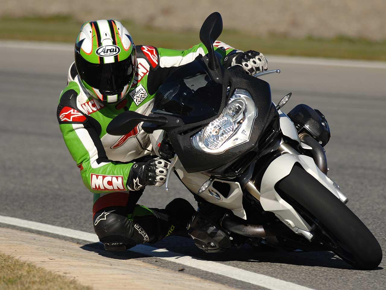 Sportske slike - Page 3 2008_BMW_HP2_Sport_Action3